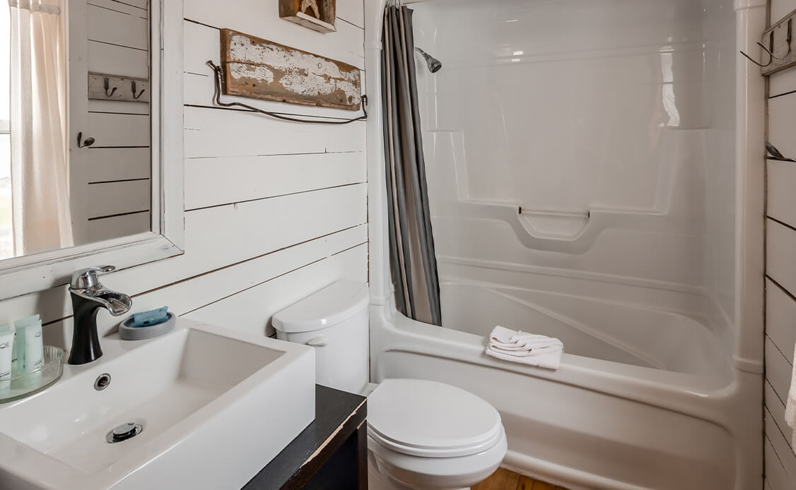 Interior of an Oceanstone cottage bathroom