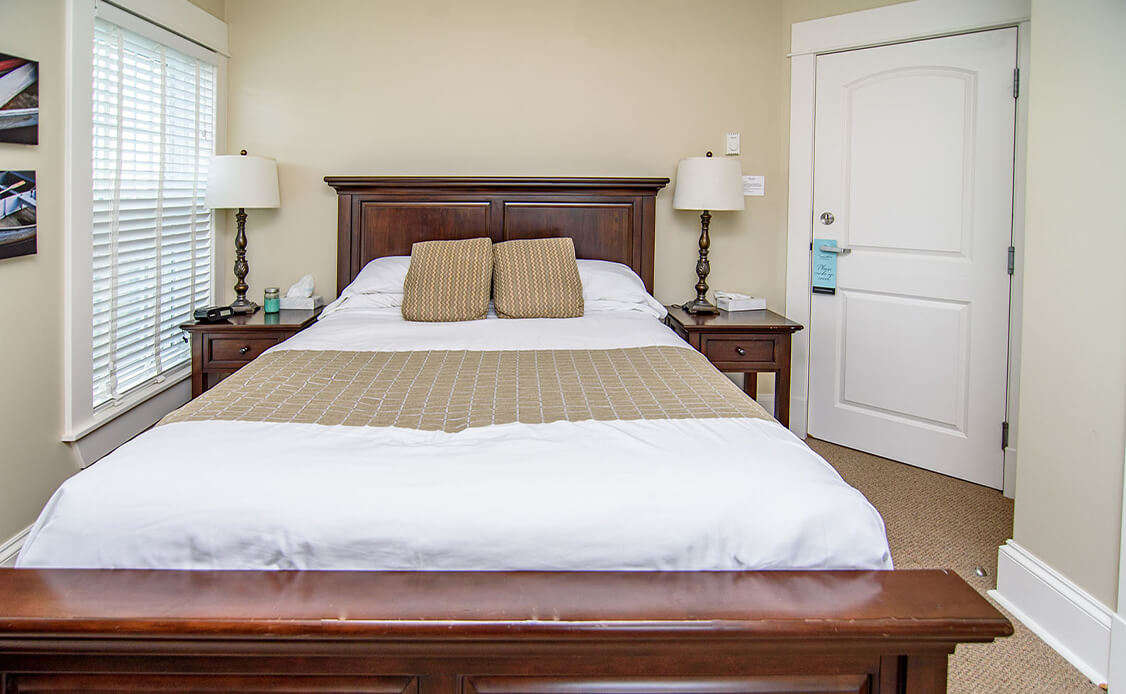 Rhubarb Guest Room 4 bed